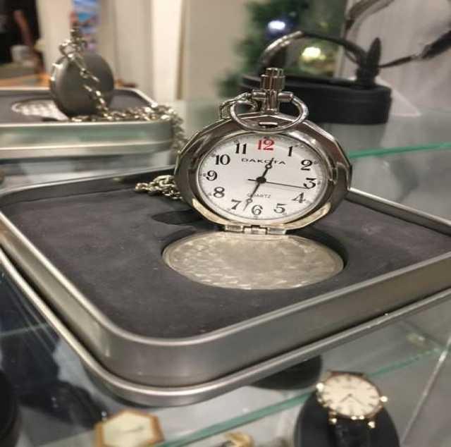 Продам Часы Dakota