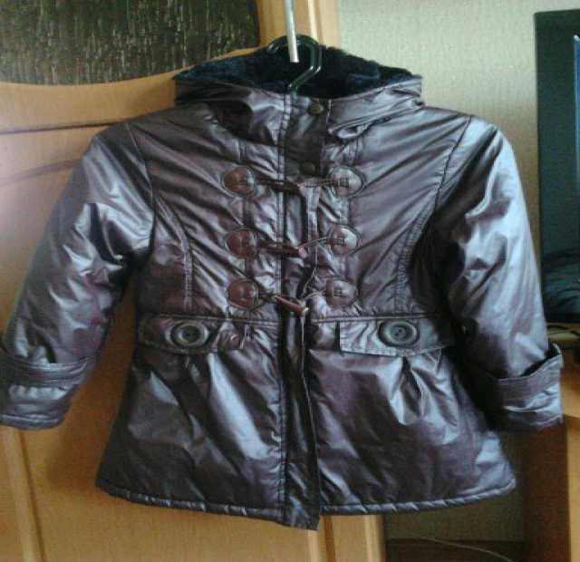 Продам Куртка на девочку весна-осень.