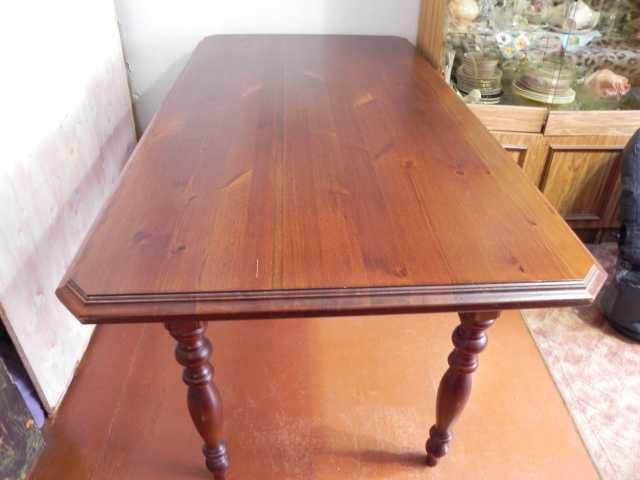 Продам стол обеденный деревянный
