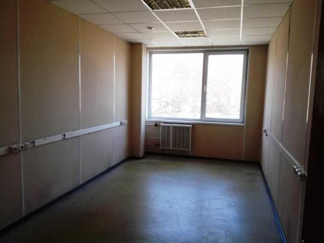 Сдам: Офис 61 м2 из двух кабинетов и подсобки.