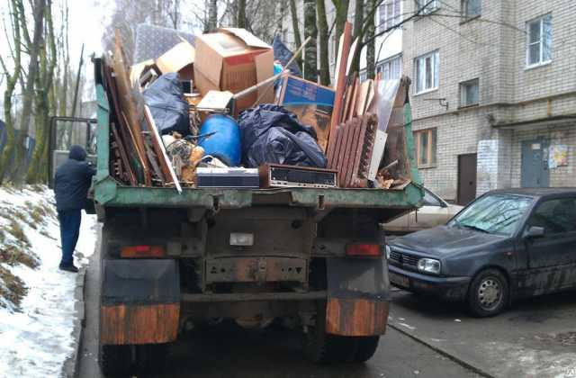 Предложение: Услуги по уборке вывозу погрузке мусора.