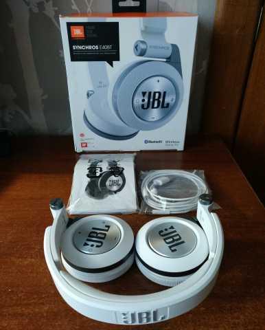 Продам Bluetooth-наушники JBL Synchros E40BT