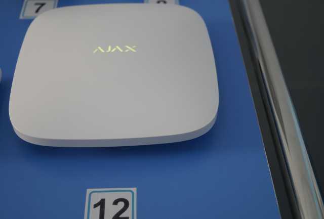 "Продам: GSM сигнализация ""Hub Kit"""