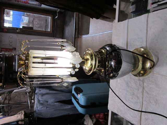 Продам лампа напольная
