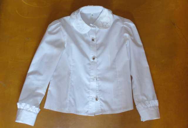 Продам Продам школьные белые блузки на девочку