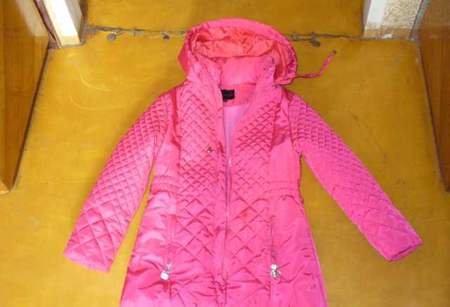 Продам Продам весеннюю куртку на девочку