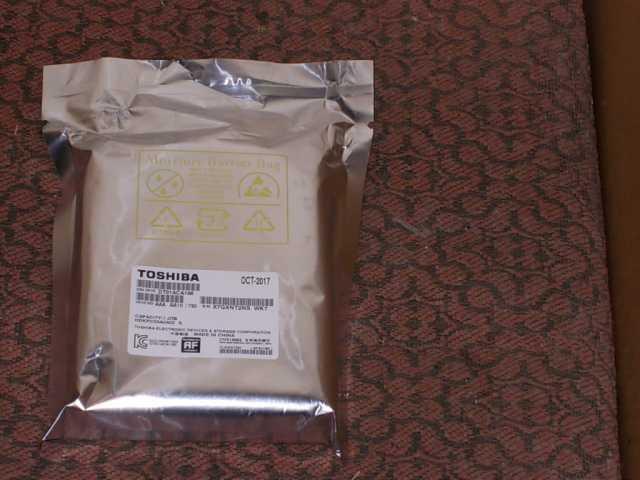 Продам Жесткий диск 1 тб toshiba dt01aca100
