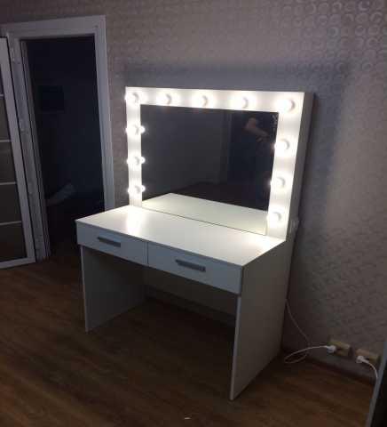 Продам гримерный стол стол визажиста