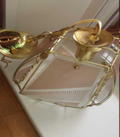 Продам Светильник с красивым стеклянным плафоно