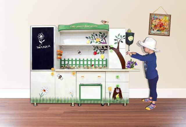 Продам Детский стол (детская кухня)