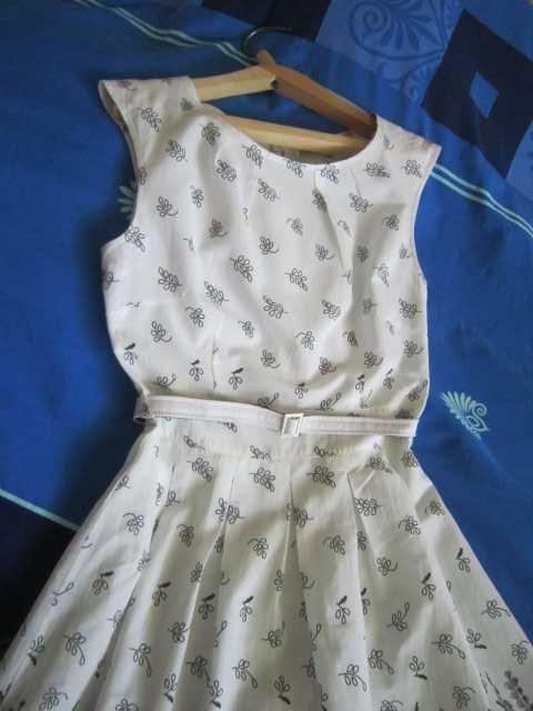 Продам Платье летнее без рукава