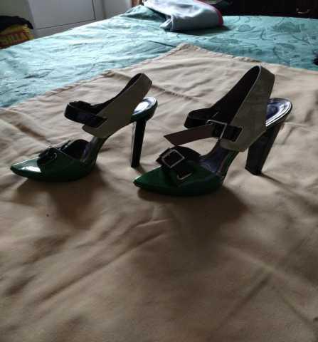 Предложение: кожаные туфли и босоножки.