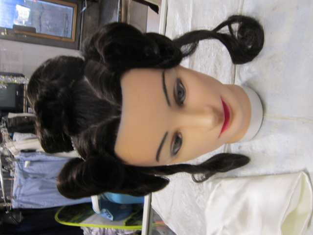 Продам Манекен женский волосы натуральные