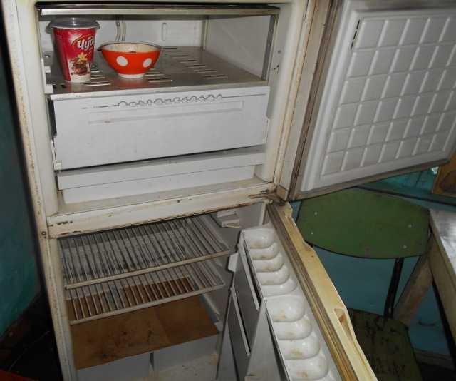 Продам неисправный холодильник