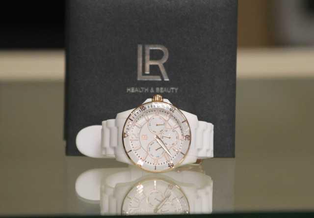 Продам новые женские часы LR health beauty