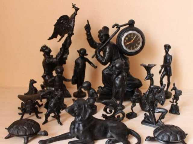 Куплю Скульптуры и статуэтки из чугуна железа