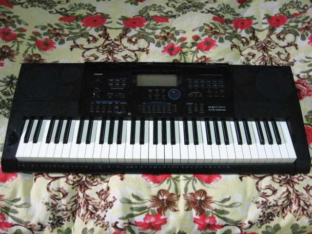 Продам Синтезатор casio CTK  6200