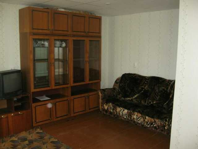 Сдам комнату на Комарова 19