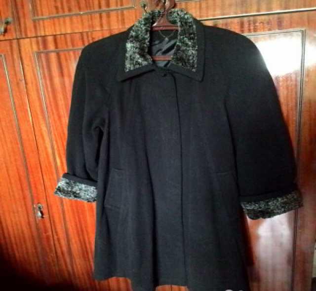 Отдам даром: Классическое женское шерстяное пальтишко