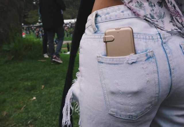 Продам Зарядный чехол для iPhone-iChargeCase
