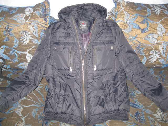 Продам Куртка черная подростковая