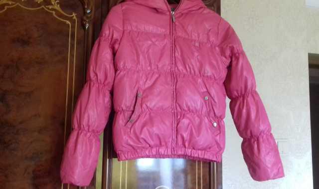 Продам Куртка на девочку фирм.Benetton