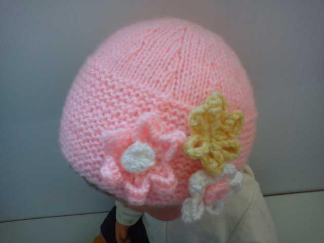 Продам Розовая шапочка с цветочками маленькой п
