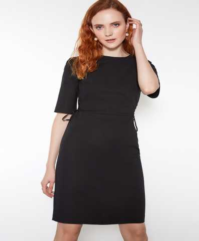 Продам Черное приталенное платье 40 р.