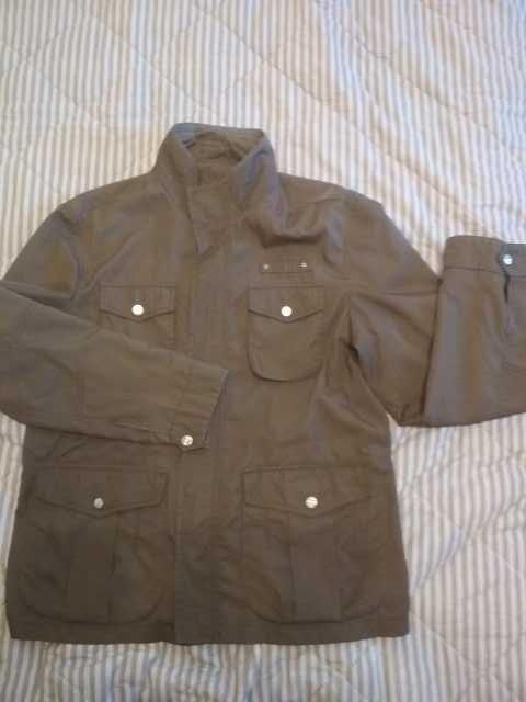 Продам Куртка мужская(ветровка)