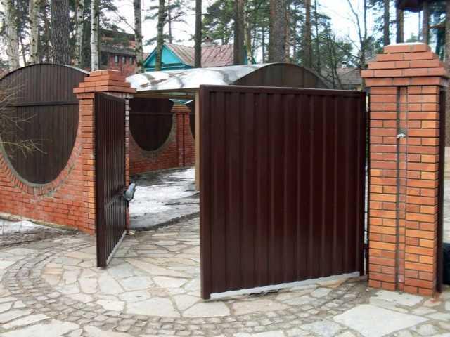 Продам: Ворота заборы и бани
