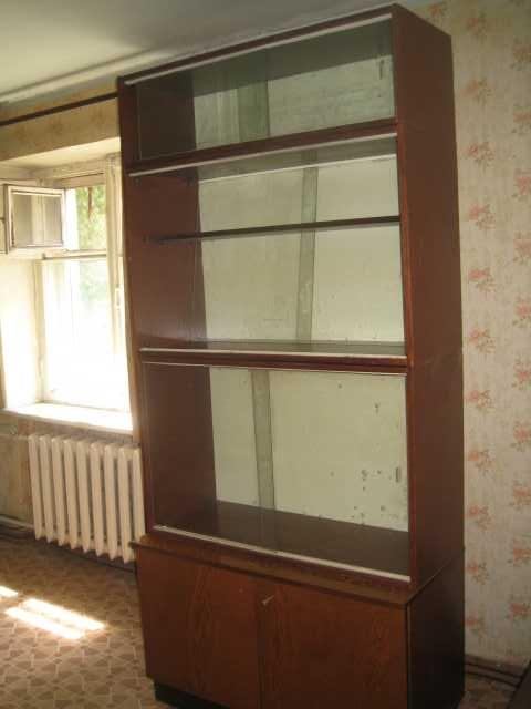 Продам: Шкаф-сервант витринный 4 секц. антресоль