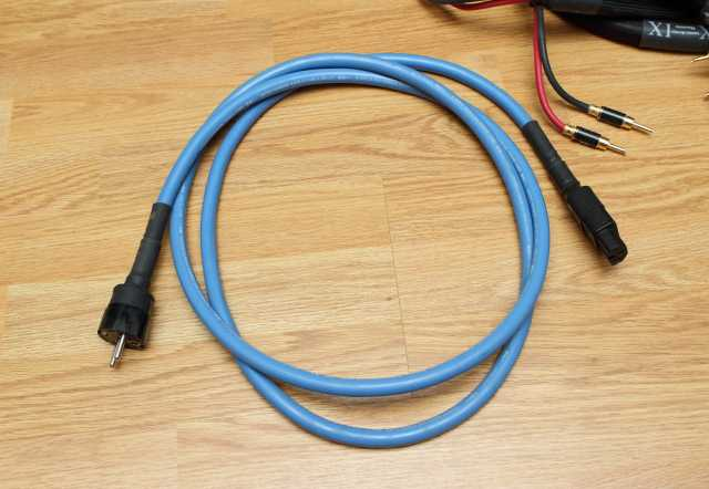 Продам кабель силовой Cardas quadlink power