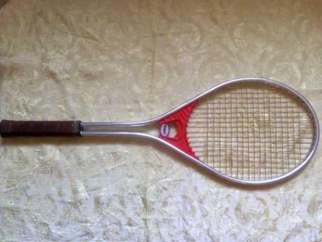 Продам Теннисная ракетка