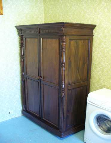 Продам Антикварный шкаф начала 20 века резьба