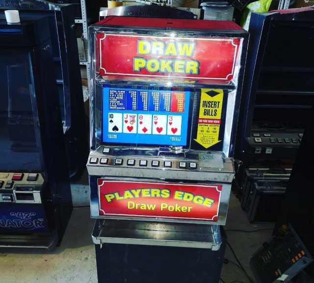 Продам Игровой автомат DRAW POKER