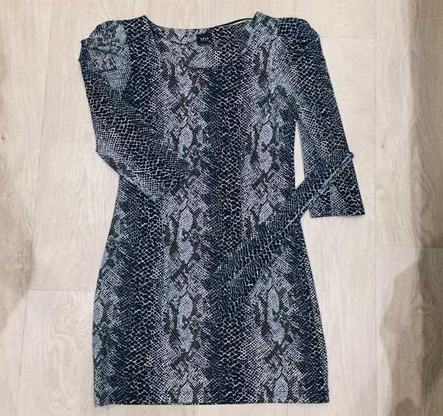 Продам Новое платье Sela