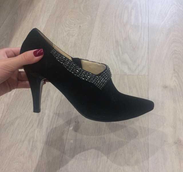 Продам Новые туфли Moda Donna