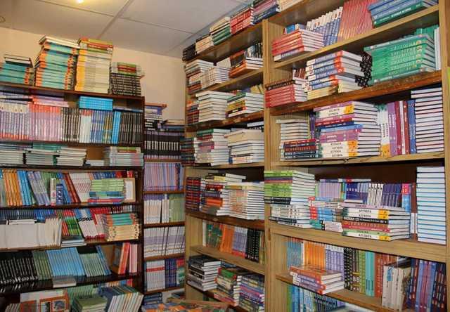 Продам: Учебники 11 класс, бу и новые. Р тетради
