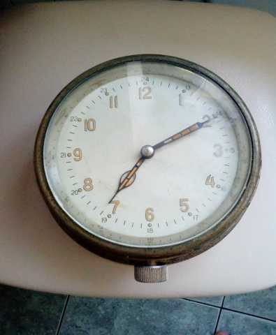 Продам Довоенные каютные часы