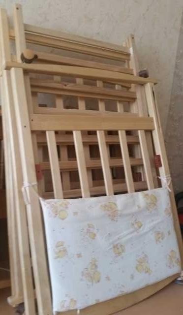 Продам: Кроватка для ребёнка с матрасом