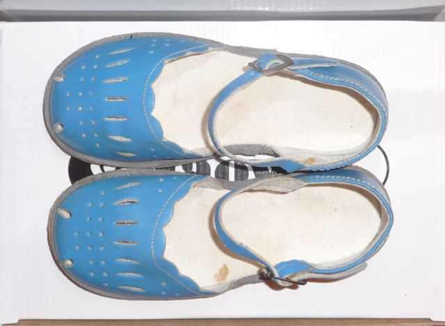 Продам Обувь на ребенка (натуральная кожа)