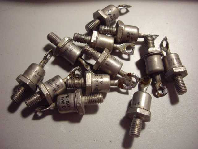 Продам: Диод Д132-50-4 10 штук