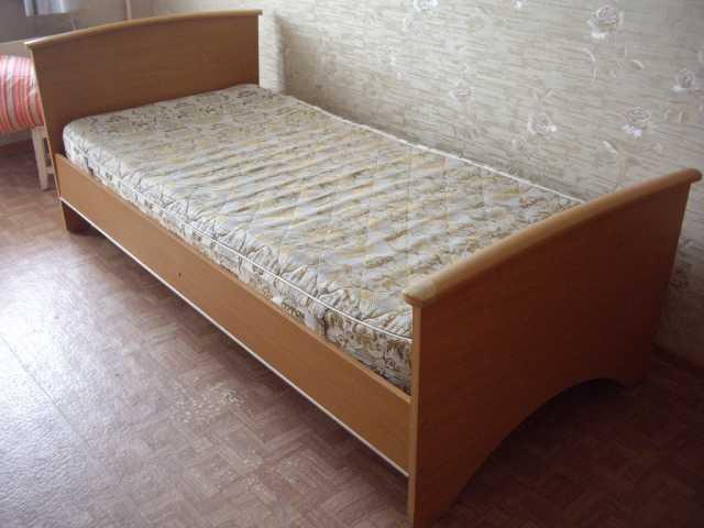 Продам Кровать 1 местная. .