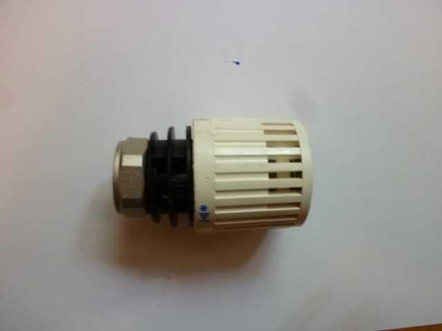 Продам терморегуляторы данфосс на 3/4 новые.
