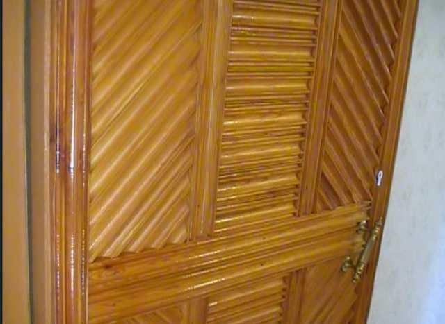 Продам Дверь входная из массива дерева