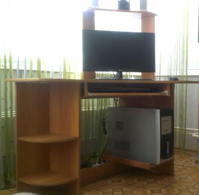 Продам: стол компьютерный угловой