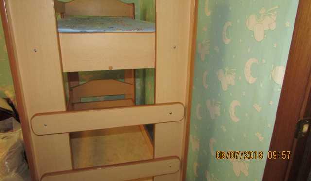 Продам: Детская двухъярусная кровать