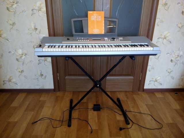 Продам Yamaha DGX-230 синтезатор