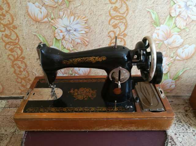 Продам: Швейная машина