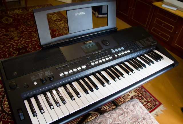 Продам Синтезатор YAMAHA PSR E-433